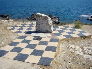 Памятник Ихтиандр 66 на Тарханкуте